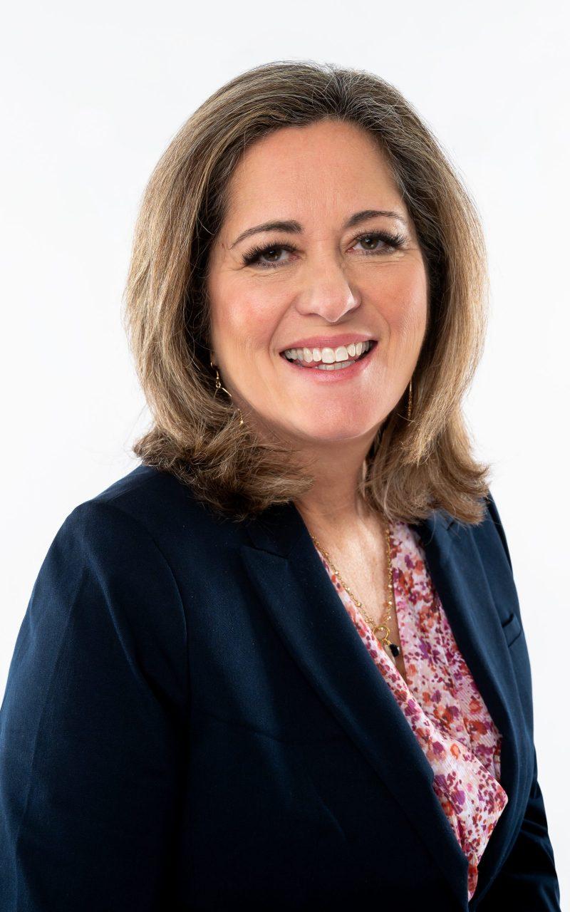 Julie Cluff ~ Speaker, Author, Coach